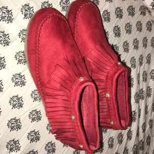 Red moccasins